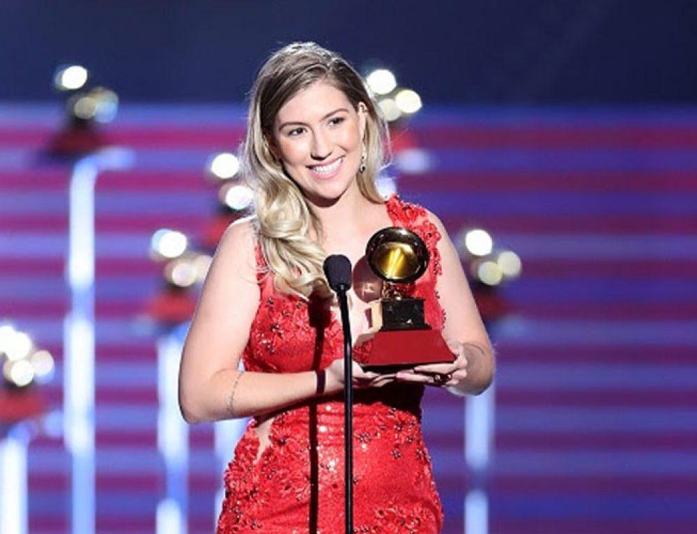 Bruna Viola sai vencedora do Grammy Latino 2017