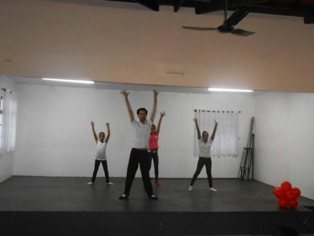 Apresentações musicais e de dança deram início à conferência (Foto: Fábio Penariol/Jornal 101)