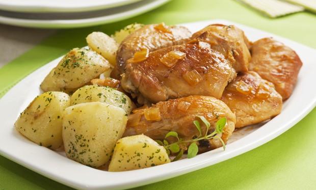 Frango com batatas será uma das opções no cardápio (Foto: Divulgação)