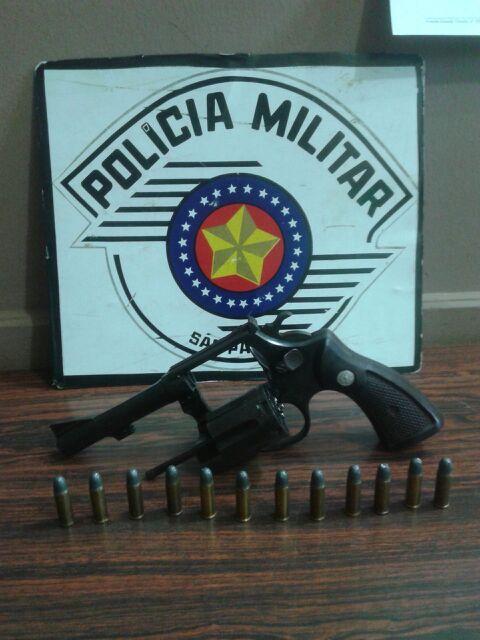 arma apreendida com homem no Parque das Araras (foto: Reginaldo Coelho/Jornal 101)
