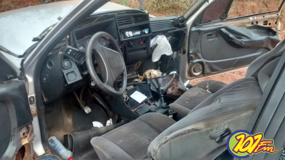 Choque de veículo com um barranco levou um homem à morte (Foto: Reginaldo Coelho/Jornal 101)