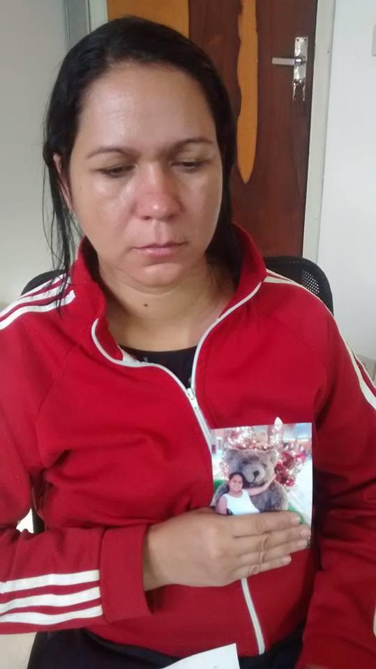 Mãe faz apelo para encontrar menina de 12 anos (Foto: Reginaldo Coelho/Jornal 101)