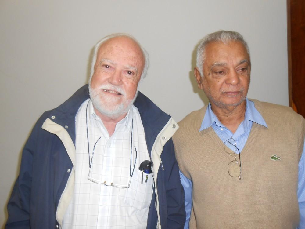 Conhecedores da história jaboticabalense, Luiz Carlos Beduschi, à esquerda, e Dorival Martins de Andrade (Foto: Fábio Penariol/Jornal 101)