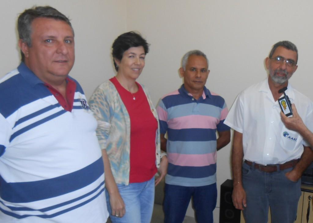 Aparecido Hojaij, à direita, no centro, Roberto Santiago e Adriana Trinca, Maurício Bissoli, à esquerda (Foto: Fábio Penariol/Jornal 101)