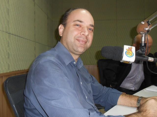 Secretário de Administração, Cesar Poletti (Foto: Fábio Penariol/Jornal 101)