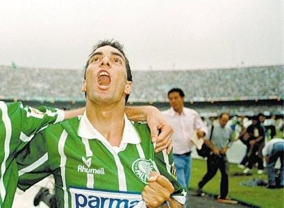 Edmundo é ídolo de Palmeiras e Vasco e defendeu a seleção brasileira e vários clubes (Foto: Divulgação)