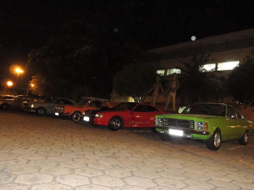 Alguns carros expostos (Foto: Amigos da Ferrugem)