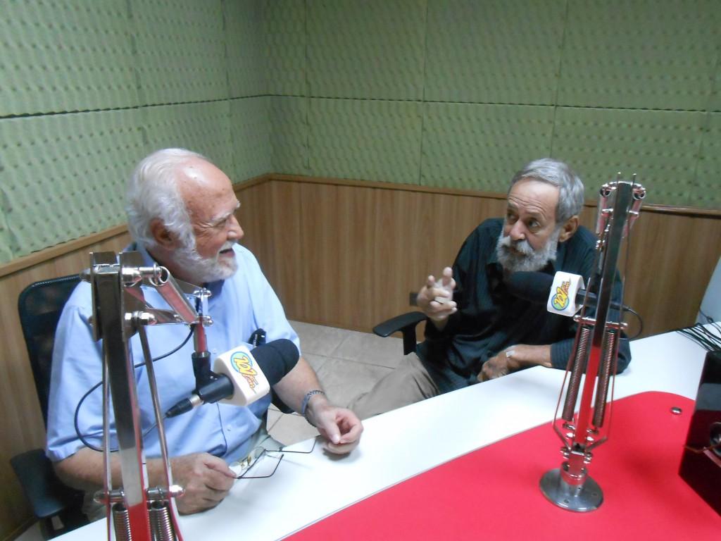 Professor Luiz Carlos Beduschi, à esquerda, e Fernando Rosa, à direita