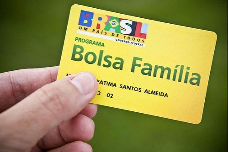 RENATA BOLSA FAMILIA 060115