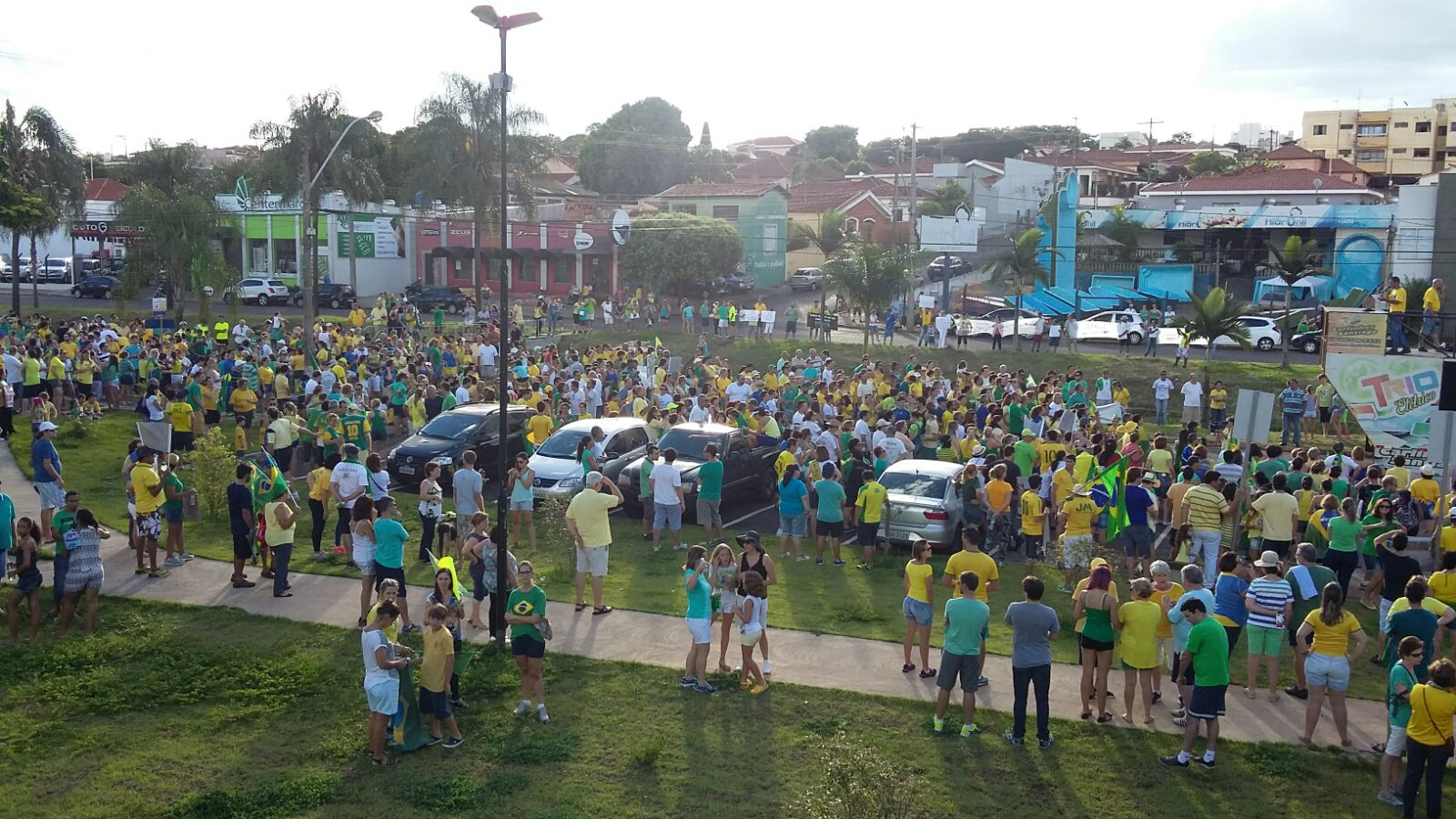 Quantidade de participantes foi informada pela PM; Segundo a organização da manifestação, número chegou a 3,5 mil (Foto: Ricardo Gestal/Jornal 101)