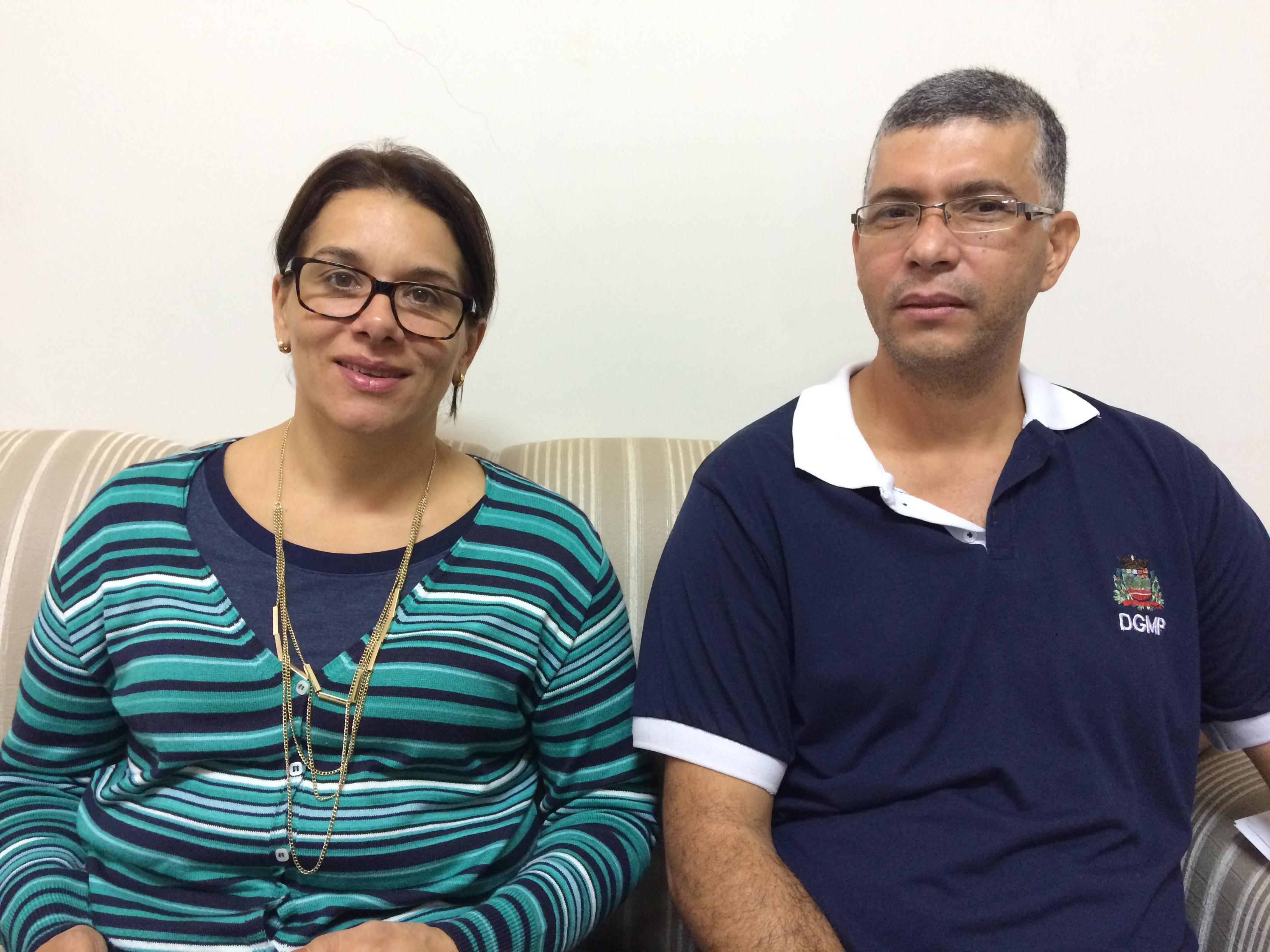 Secretária de Assistência Social da Prefeitura, Eliete Lopes, e o agente administrativo Mauro Bossato (Foto: Fábio Penariol/Jornal 101)