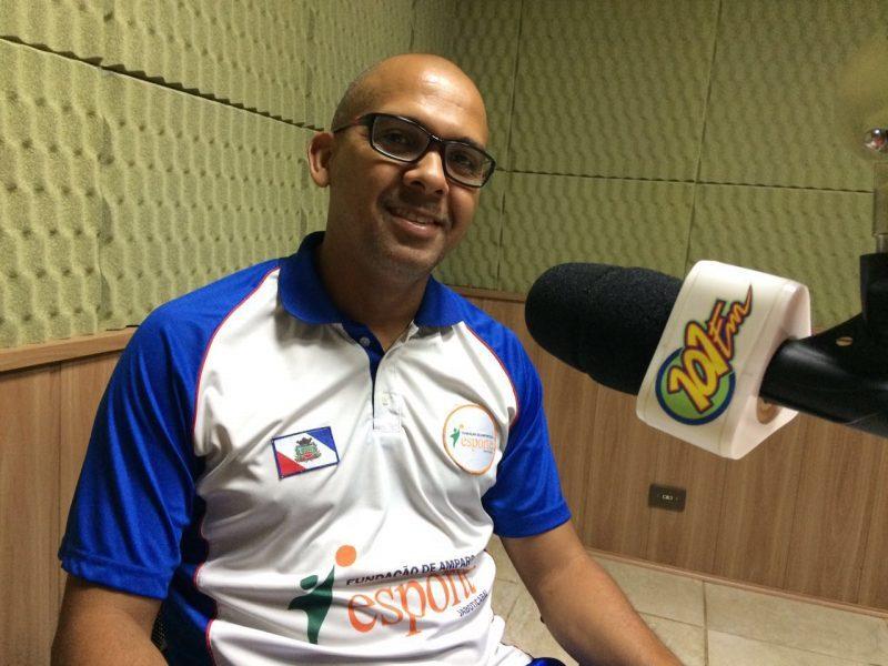 Poto, técnico e jogador da equipe de futsal de Jaboticabal (Foto: Fábio Penariol/Jornal 101)
