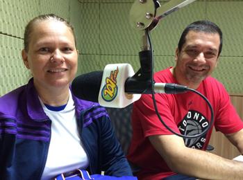 Erika Pifer e o técnico de basquete da FAE, João Pifer (Foto: Fábio Penariol/Jornal 101)