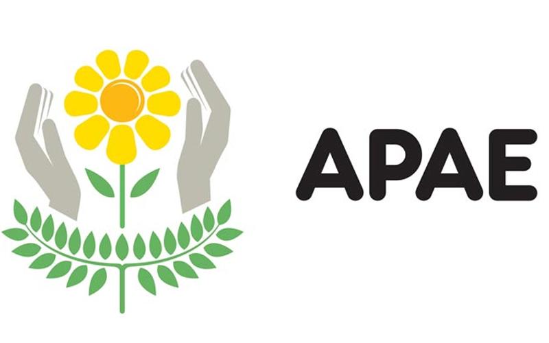 Horta da APAE tem promoção de verduras; presidente comenta
