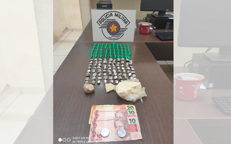 Tráfico de drogas leva dois para a delegacia em Jaboticabal