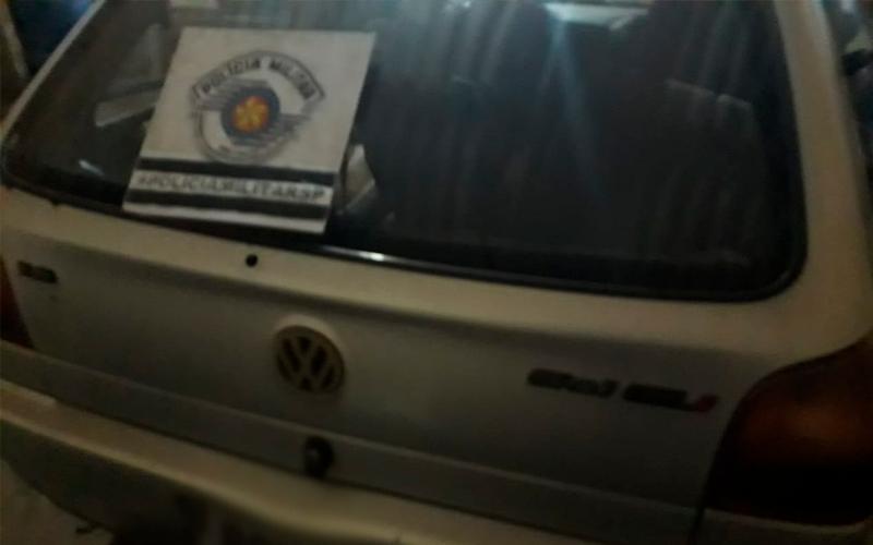 Quatro são presos desmanchando carro furtado; E mais: briga generalizada por falta de pagamento de aluguel