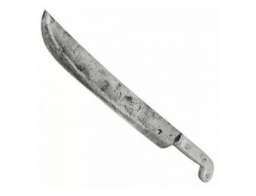 Homem vai incomodar irmã e cunhado o acerta com facão na cabeça; socorrido, ele está estável