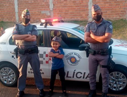 Criança de sete anos de Jaboticabal pede aniversário com tema da Polícia Militar; PM's estiveram presentes