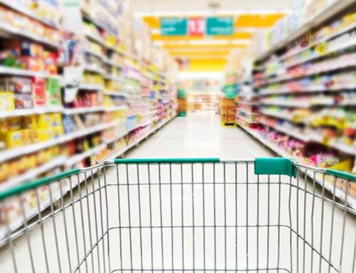 Homem é preso após tentar furtar dois supermercados de Jaboticabal; ele foi pego com filé mignon, chocolates, salames e outros itens